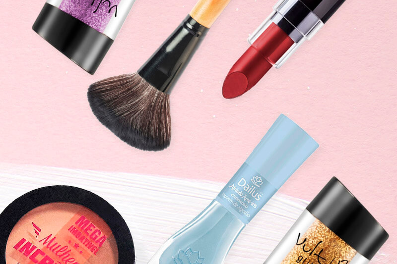 213766149 Cuidar da pele é essencial de janeiro a dezembro. Mas hoje vamos dar dicas  de como tratar e maquiar a pele do rosto no verão.